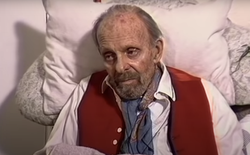 Terry-Thomas in a segment on Thames News. (Thames News/YouTube)