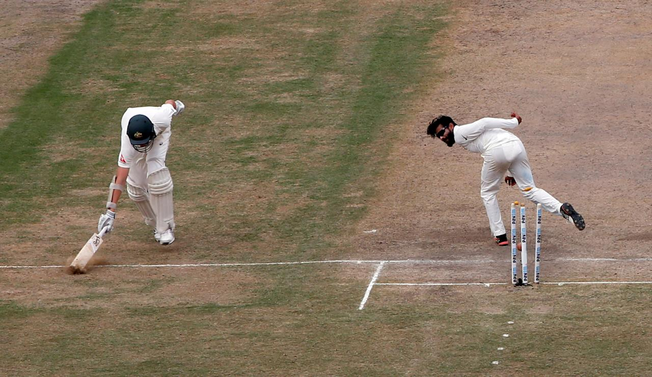 Cricket - India v Australia - Third Test cricket match - Jharkhand State Cricket Association Stadium, Ranchi, India - 17/03/17 - Australia's Josh Hazlewood (L) is run out by India's Ravindra Jadeja. REUTERS/Adnan Abidi     TPX IMAGES OF THE DAY