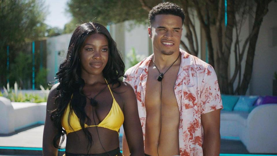 Kaz and Toby on Love Island (ITV)