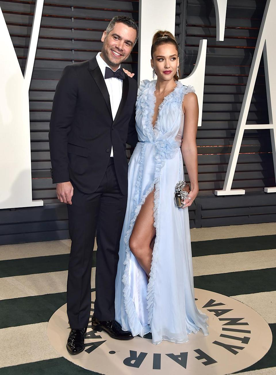 <p>Producer Cash Warren and Jessica Alba attend the 2017 Vanity Fair Oscar Party hosted by Graydon Carter at Wallis Annenberg Center for the Performing Arts on February 26, 2017 in Beverly Hills, California. (Photo by Pascal Le Segretain/Getty Images) </p>