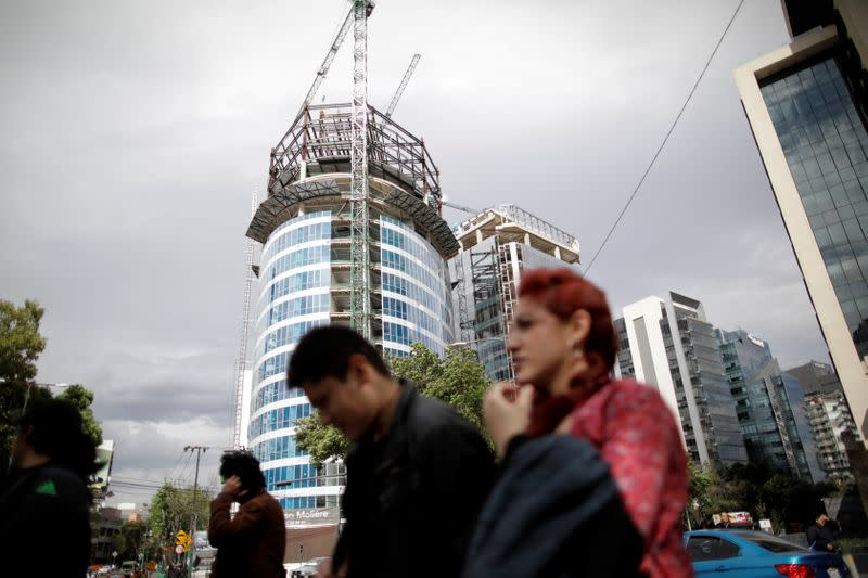 Mexican economy suffers record contraction, slow recovery seen ahead