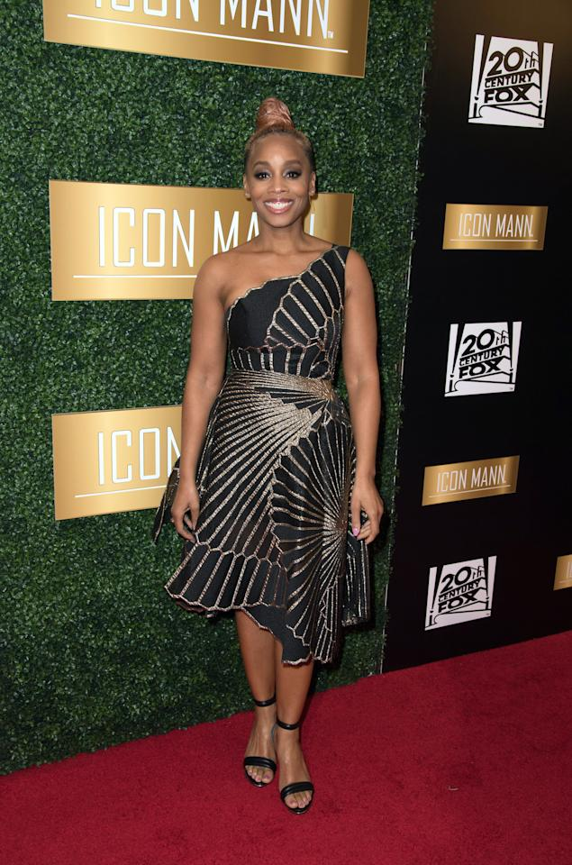 <p>US-Schauspielerin Anika Noni Rose ging im schwarzen Minikleid mit goldenen Applikation zum Icon Mann Pre-Oscar Dinner im Four Seasons Hotel, Beverly Hills. (Bild: Earl Gibson III/Getty Images) </p>