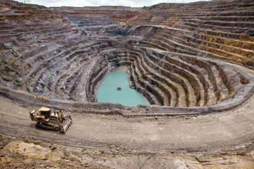 China firm in $1.3bn bid for Congo copper miner