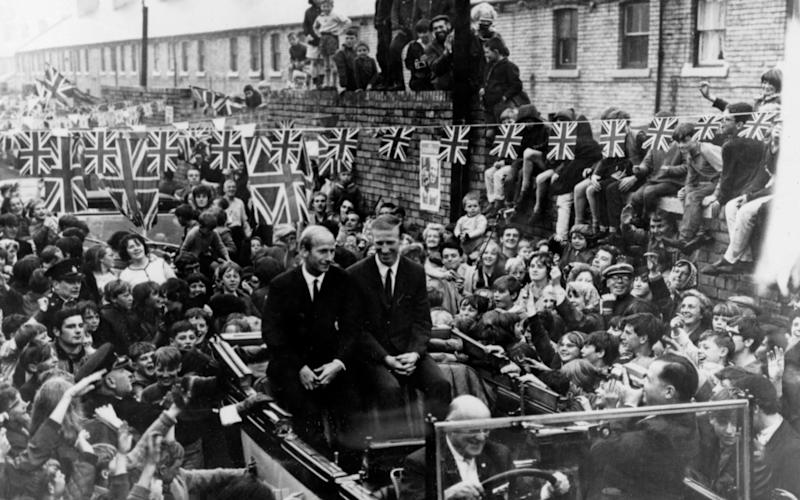 Bobby and Jack are welcomed back to Ashington following the World Cup victory - Popperfoto/Getty Images