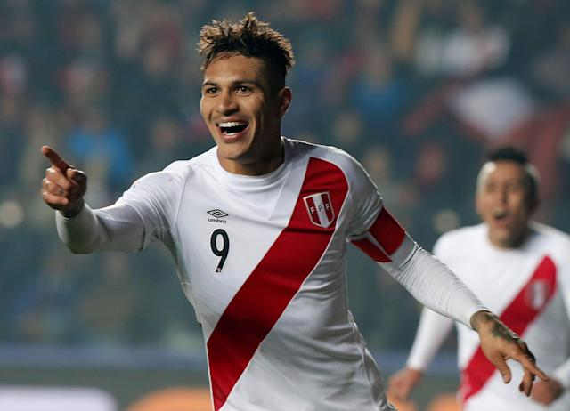 FILE PHOTO Peru's Paolo Guerrero celebrates after scoring against Paraguay during their Copa America 2015 third-place soccer match at Estadio Municipal Alcaldesa Ester Roa Rebolledo in Concepcion, Chile, July 3, 2015. REUTERS/Andres Stapff/File Photo