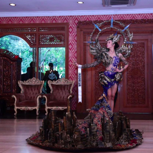 indonesia s miss grand international costume has temples