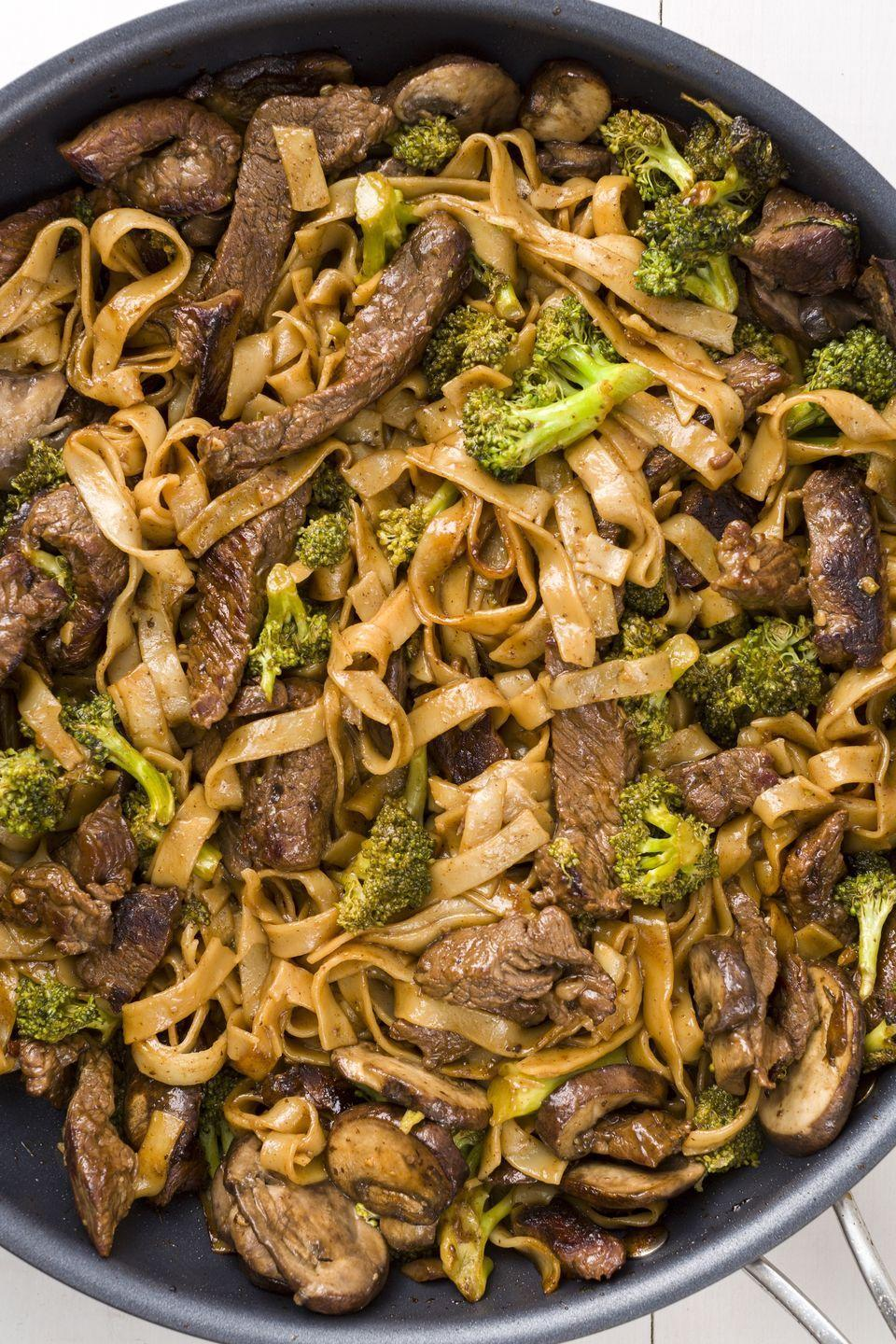 "<p>With soy sauce-infused flank steak and broccoli, these rice noodles are an amazing dinner option.</p><p>Get the recipe from <a href=""https://www.delish.com/cooking/recipe-ideas/recipes/a45477/beef-and-broccoli-noodles-recipe/"" rel=""nofollow noopener"" target=""_blank"" data-ylk=""slk:Delish"" class=""link rapid-noclick-resp"">Delish</a>.</p>"