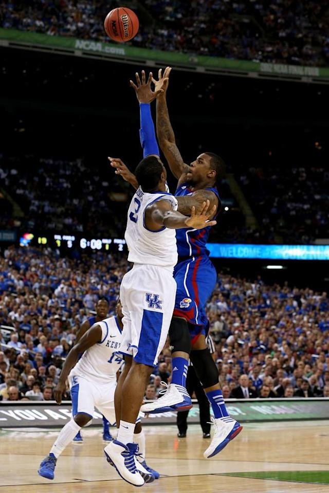 Thomas Robinson #0 of the Kansas Jayhawks shoots over Terrence Jones #3 of the Kentucky Wildcats in the first half in the National Championship Game of the 2012 NCAA Division I Men's Basketball Tournament at the Mercedes-Benz Superdome on April 2, 2012 in New Orleans, Louisiana. (Photo by Jeff Gross/Getty Images)