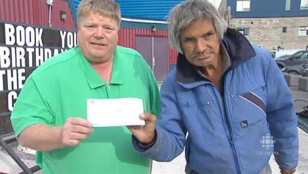 Street person donates $2K to youth centre