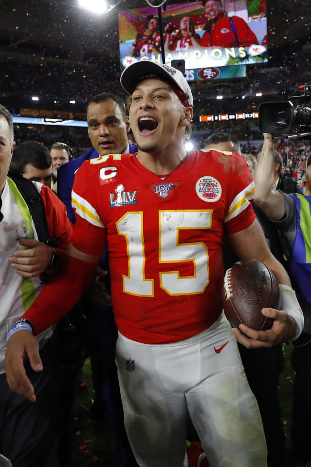 MIAMI, FLORIDA - FEBRUARY 02: Patrick Mahomes #15 of the Kansas City Chiefs celebrates after defeating the San Francisco 49ers 31-20 in Super Bowl LIV at Hard Rock Stadium on February 02, 2020 in Miami, Florida. (Photo by Kevin C. Cox/Getty Images)