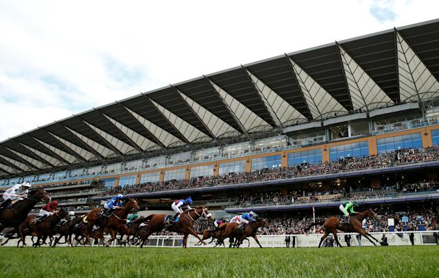 Horse Racing - Royal Ascot - Ascot Racecourse, Ascot, Britain - June 20, 2018 Settle For Bay ridden by Billy Lee wins the 5.00 Royal Hunt Cup Action Images via Reuters/Andrew Boyers