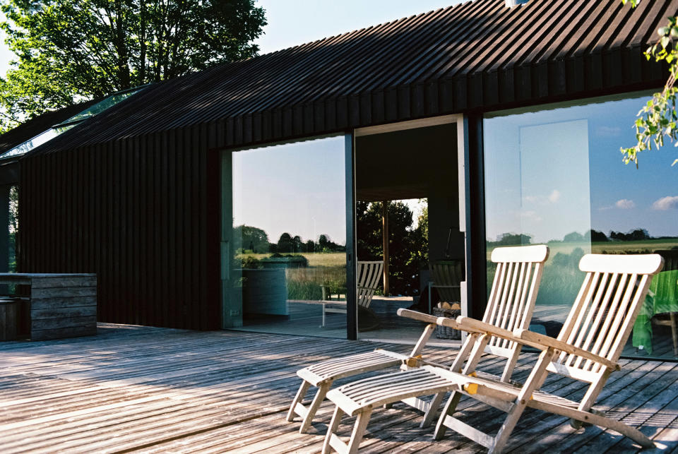 How much does landscaping cost?: decking and chairs