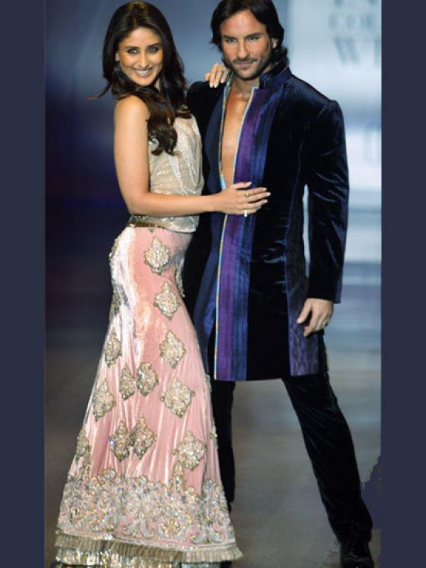 Images via : iDiva.com Saif Ali Khan and Kareena Kapoor Khan: The new power couple in Bollywood, Saif Ali Khan and Kareena Kapoor Khan walked the ramp together for Manish Malhotra at HDIL Couture Week 2009. They exuded confidence and poise on the catwalk. Related Articles - Bollywood's Best Multi-Starrer Movies Top 5 Bollywood's 'Unseen' Hot Jodis