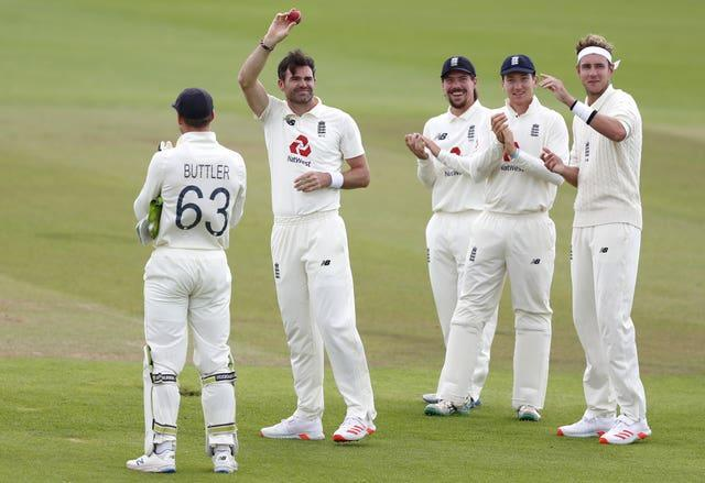 James Anderson, second left, celebrates his 600th Test wicket, against Pakistan last year