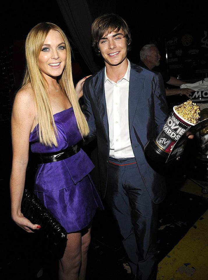 "Lindsay Lohan shared a laugh with teen heartthrob Zac Efron, who took home popcorn for his ""Breakthrough Performance"" on the big screen in ""Hairspray."" Kevin Mazur/<a href=""http://www.wireimage.com"" target=""new"">WireImage.com</a> - June 1, 2008"