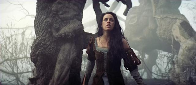 Stewart in <em>Snow White and the Huntsman</em>. (Photo: Universal Pictures/courtesy Everett Collection)