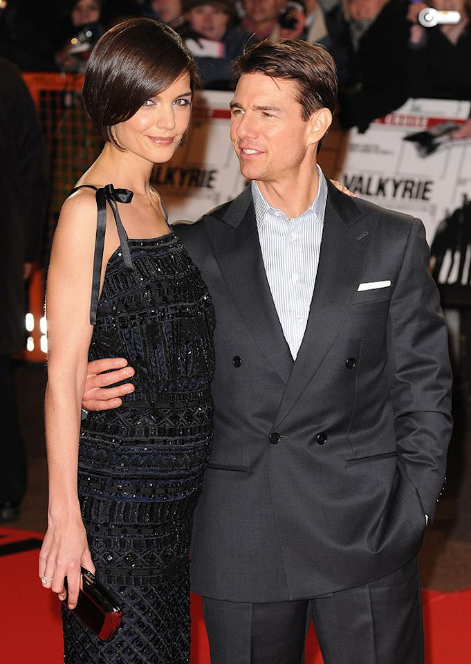 """<b>Cold: Tom Cruise and Katie Holmes</b><br>Just as suddenly as they got together, Katie Holmes and Tom Cruise ended their five year marriage. The """"Dawson's Creek"""" actress and the """"Top Gun"""" star revealed the shocking news that they were splitting in June, and the divorce was final less than two months later. As part of the settlement, the couple's 6-year-old daughter Suri reportedly will receive $400,000 annually in child support, and Holmes will get to keep expensive jewelry she received as gifts from Cruise. (1/21/2009)"""