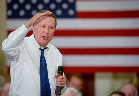 FILE PHOTO: U.S. Republican presidential Ohio Gov John Kasich speaks to a crowd during a campaign rally in Annapolis