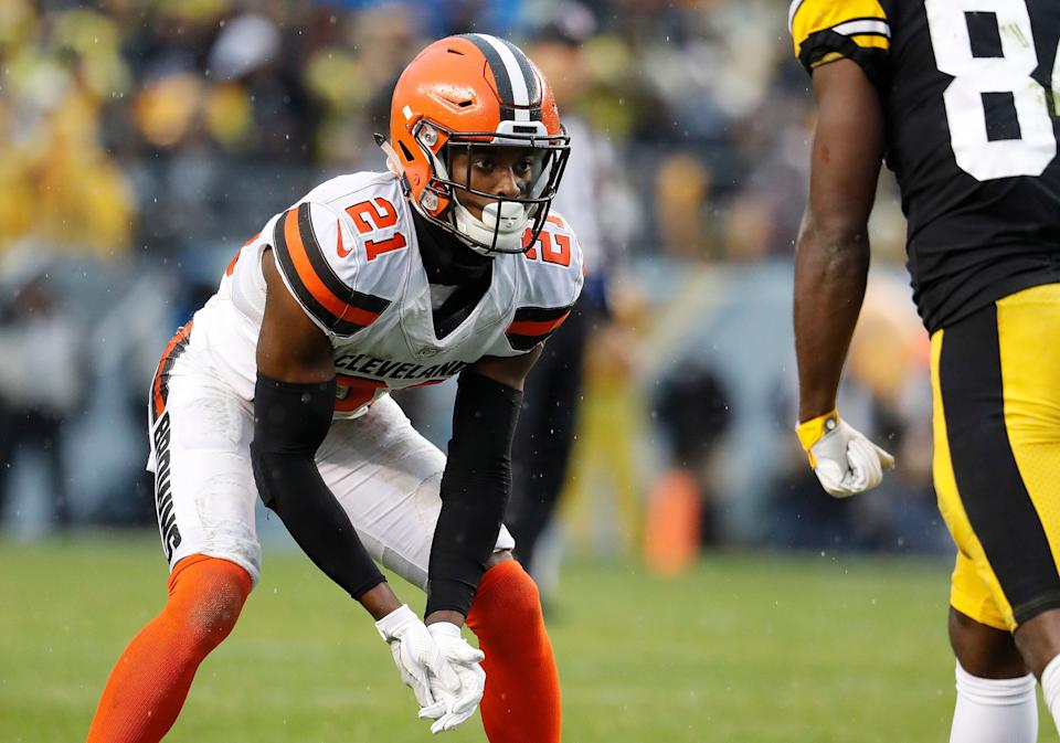 FILE - In this Oct. 28, 2018, file photo, Cleveland Browns cornerback Denzel Ward gets set during an NFL football game against the Pittsburgh Steelers in Pittsburgh. Ward, the No. 4 pick this year who has quickly become one of the game's top players at a premium position, earned his first Pro Bowl selection on Tuesday, Dec. 18, 2018/ (Winslow Townson/AP Images for Panini, File)