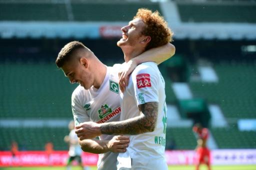 Sargent (R) and Rashica both scored as Bremen took the playoff place from Duesseldorf