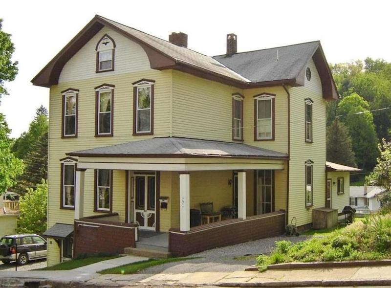 Here s proof affordability can be awesome 10 homes under for Homes built under 100k