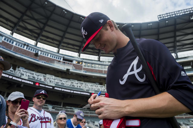 When he's not on the mound, Mike Soroka enjoys playing the guitar. (Getty Images)
