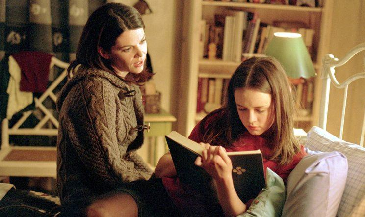 Lauren Graham and Alexis Bledel (Credit: The WB)