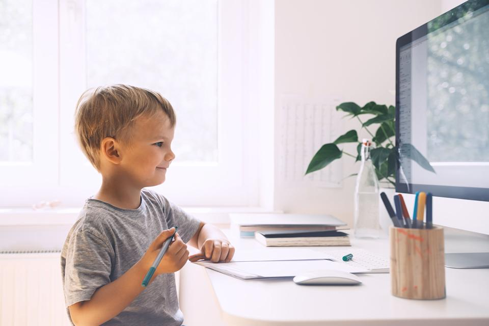 These sales on school supplies will help your kid get organized for online classes this year. (Photo: NataliaDeriabina via Getty Images)