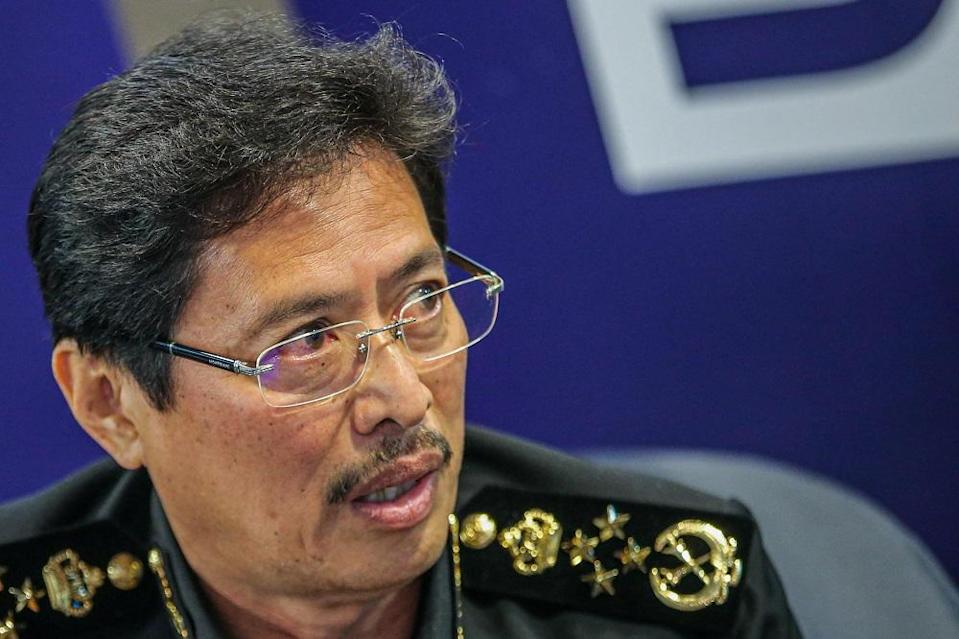 Malaysian Anti-Corruption Commission Chief Commissioner Datuk Seri Azam Baki said the investigation was challenging as the issue was 'external and inside'. — Picture by Hari Anggara