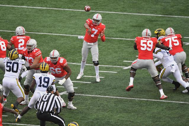 COLUMBUS, OH – NOVEMBER 24: Dwayne Haskins #7 of the Ohio State Buckeyes passes for a touchdown in the first quarter against the Michigan Wolverines at Ohio Stadium on November 24, 2018 in Columbus, Ohio. (Photo by Jamie Sabau/Getty Images)