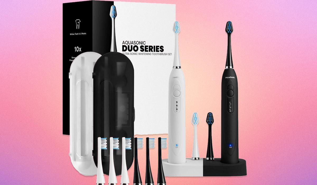 Score up to 51 percent off one of the top tools for dental health (Photo: Amazon)