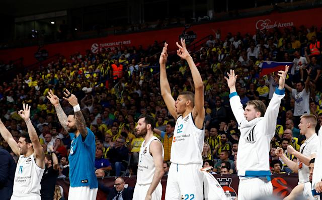 Basketball - EuroLeague Final Four Semi Final A - CSKA Moscow vs Real Madrid - ?Stark Arena?, Belgrade, Serbia - May 18, 2018 Real Madrid's Walter Tavares and team mates react REUTERS/Alkis Konstantinidis