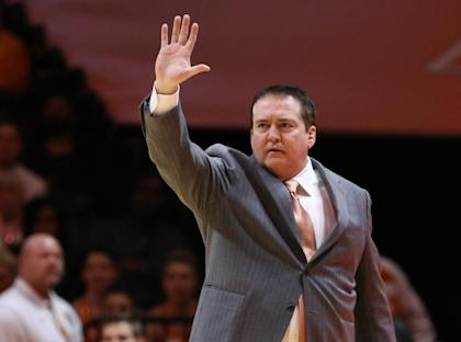 Tennessee coach Donnie Tyndall communicates with his players during a game. (USAT)