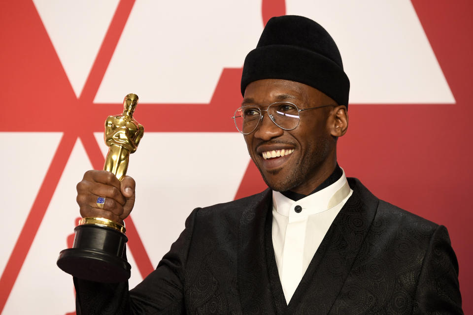 HOLLYWOOD, CALIFORNIA – FEBRUARY 24: Mahershala Ali, winner of Best Supporting Actor for 'Green Book,' poses in the press room during the 91st Annual Academy Awards at Hollywood and Highland on February 24, 2019 in Hollywood, California. (Photo by Frazer Harrison/Getty Images)