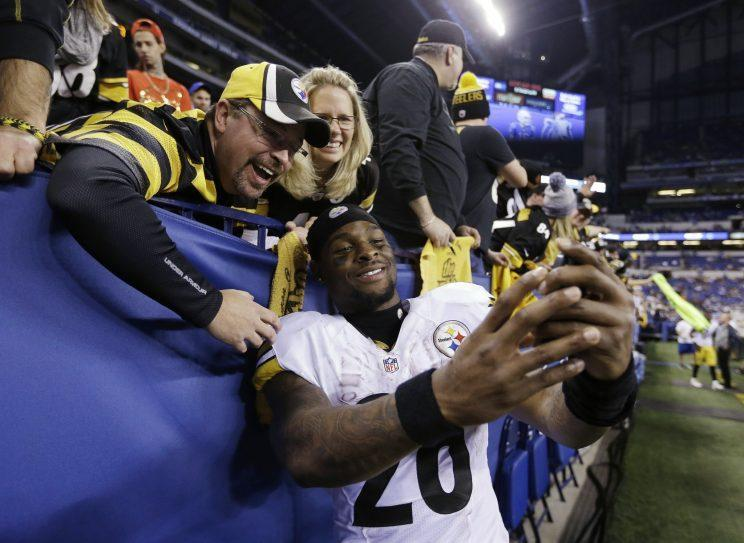 Le'Veon Bell was one of the players who received the franchise tag on Monday. (AP)