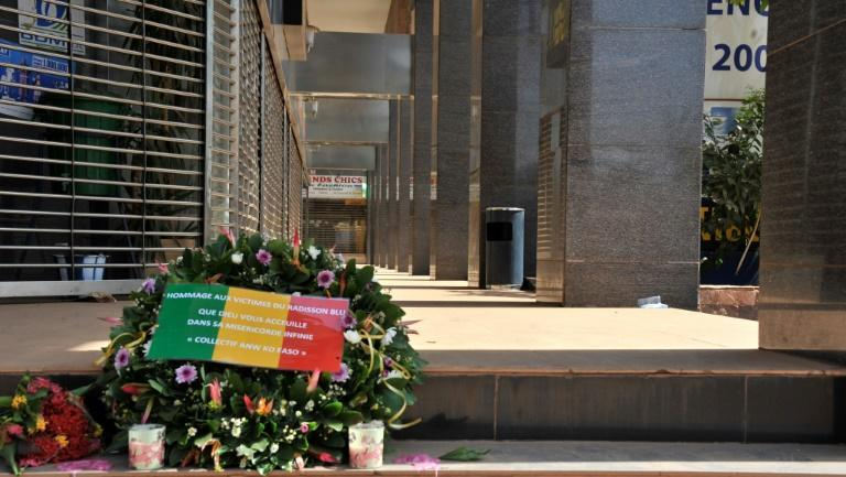 Flowers laid at the entrance to the Radisson Blu hotel in Bamako in 2015, in tribute to the victims of the deadly terrorist attack