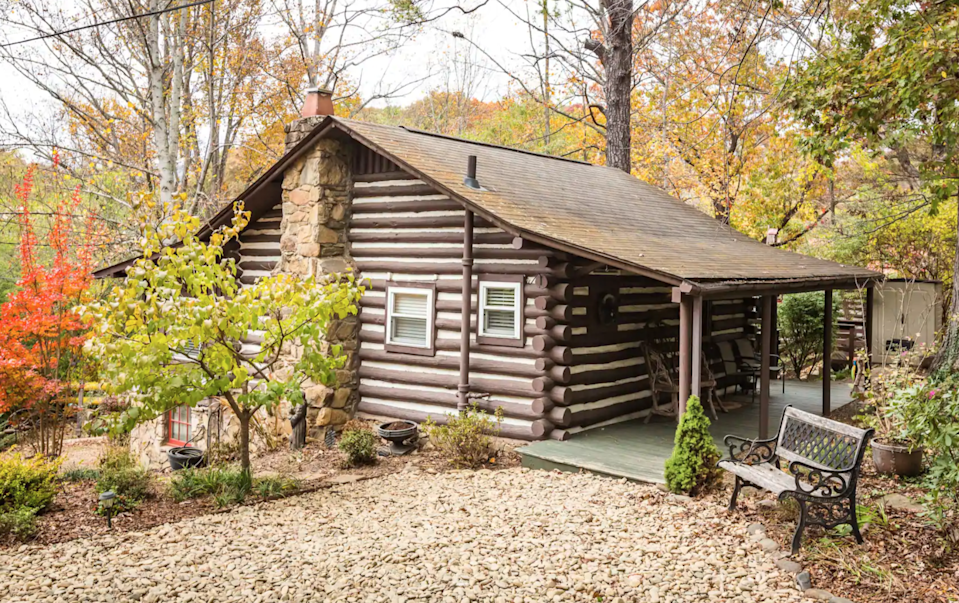 """<h3><a href=""""https://www.airbnb.com/rooms/4587394"""" rel=""""nofollow noopener"""" target=""""_blank"""" data-ylk=""""slk:Urbane Retreat Cabin In Asheville"""" class=""""link rapid-noclick-resp"""">Urbane Retreat Cabin In Asheville</a></h3><br>""""We welcome you with a tradition of Southern hospitality, modern conveniences, and an unmatched setting amidst the beauty of Asheville. This urbane retreat where city folks could tap into their inner adventurer.""""<br><br><strong>Location: </strong>Asheville, North Carolina<br><strong>Sleeps: </strong>2<br><strong>Price Per Night: </strong>$72<br><strong>Price Per Month: </strong>$2,162<br><span class=""""copyright"""">Photo: Courtesy of Airbnb.</span>"""
