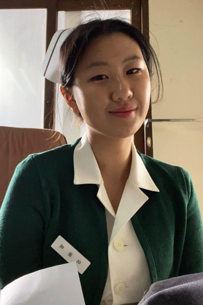 Clara Park working as an extra in the drama