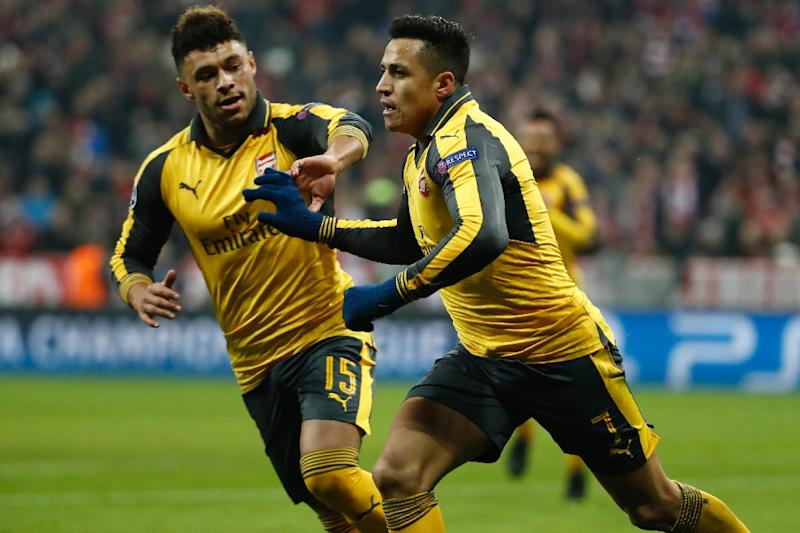 Liverpool confirm arrival of £35 million midfielder Alex Oxlade-Chamberlain from Arsenal