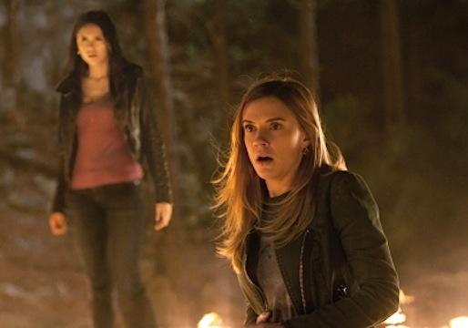Exclusive First Look: Aunt Jenna Makes Her Return to Vampire Diaries