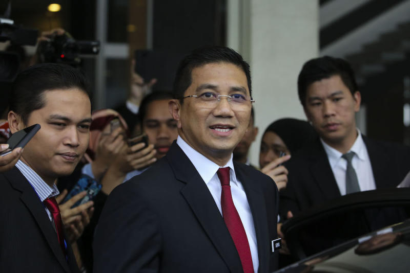 Azmin said BN's cash handout programme 1Malaysia People's Aid was proof of its failure to empower the B40 group. — Picture by Yusof Mat Isa