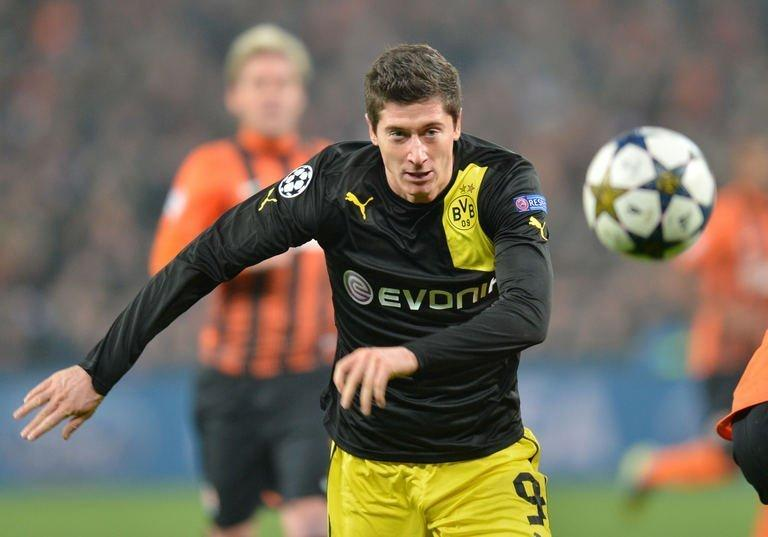 Robert Lewandowski in action during UEFA Champions League, Round 16, football match in Donetsk on February 13, 2013