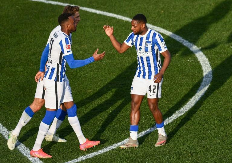 Lukebakio's (L) first-half penalty secured a derby draw for Hertha