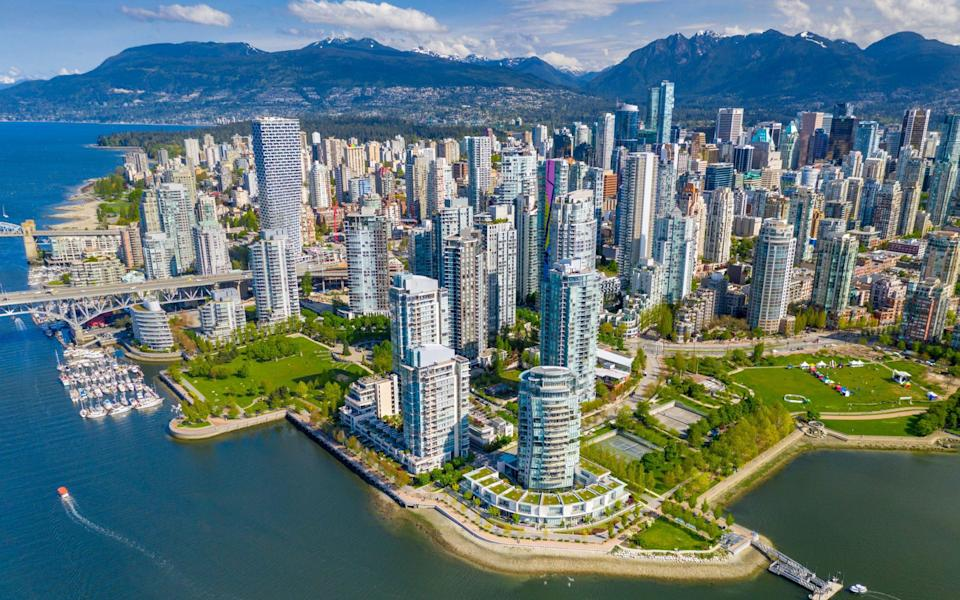 Vancouver skyline - Feng Wei Photography/Moment RF