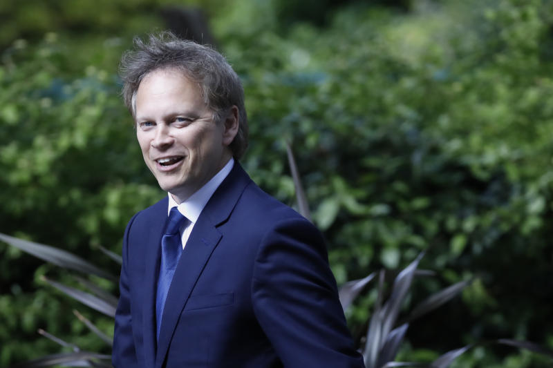 Britain's Transport Secretary Grant Shapps arrives at 10 Downing Street in central London on May 14, 2020. - (Photo by Tolga AKMEN / AFP) (Photo by TOLGA AKMEN/AFP via Getty Images)