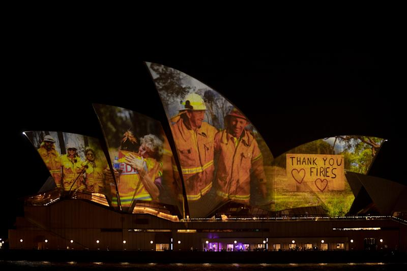 Sydney Opera House illuminated for bushfire victims. Photo: Brook Mitchell (Photo: Getty Images/Brook Mitchell)