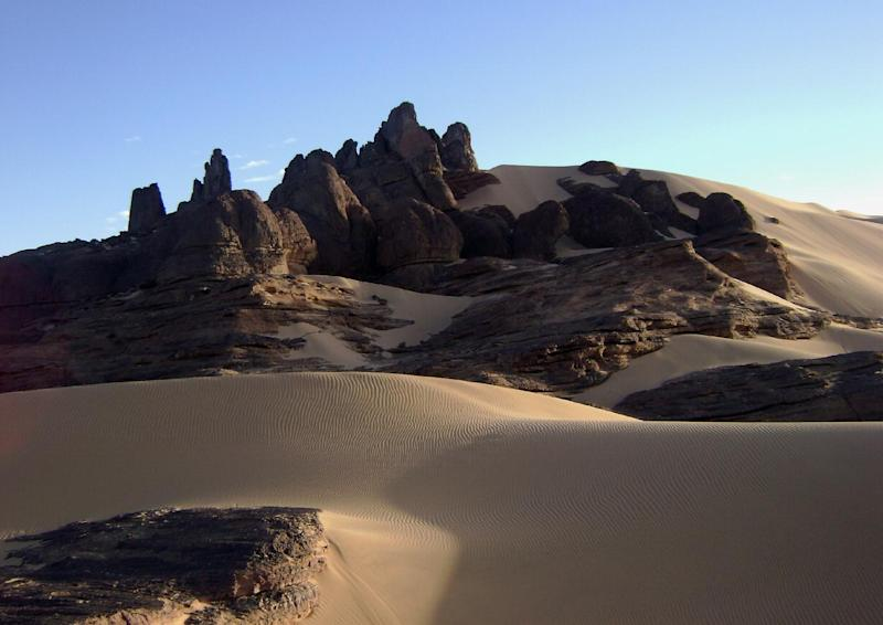 Picture taken January 2, 2008 shows a view of the Tamanrasset desert, 2,000 kms south of Alfgeria's capital Algiers