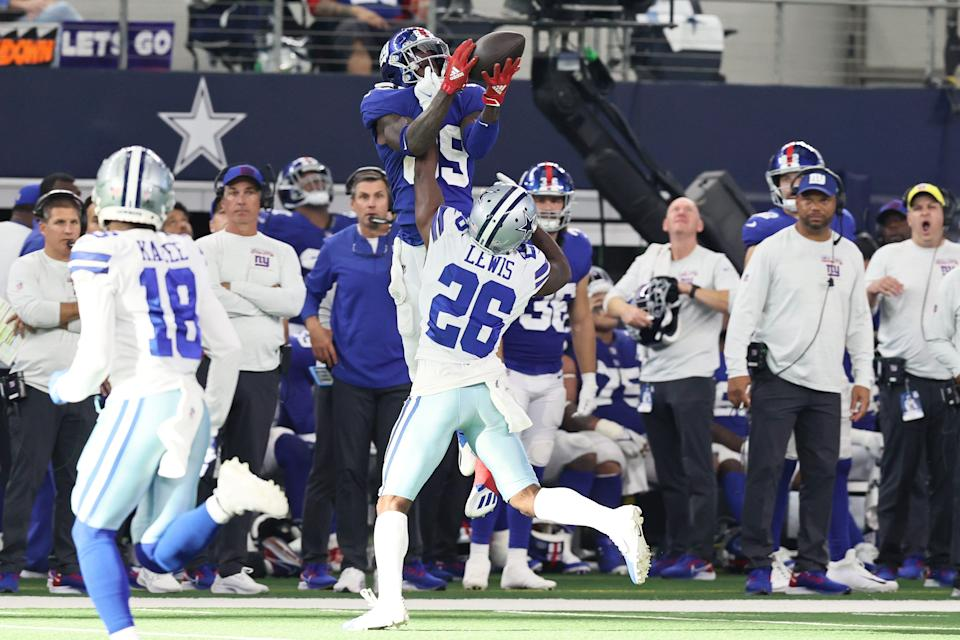 Giants wide receiver Kadarius Toney elevates to haul in one of his 10 receptions on Sunday against the Cowboys.