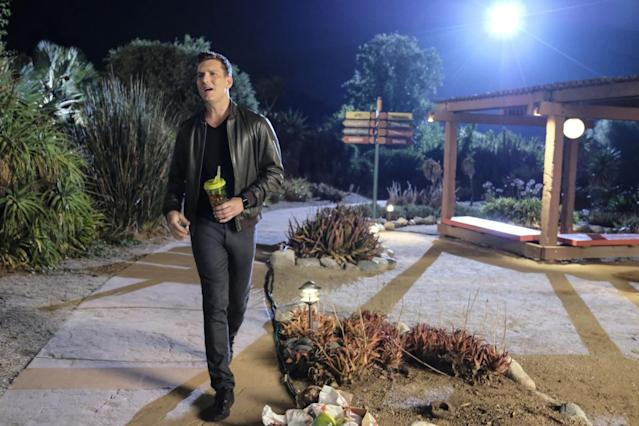 Scott Michael Foster as Nathaniel in his happy place, the zoo. (Photo: Tyler Golden/The CW)