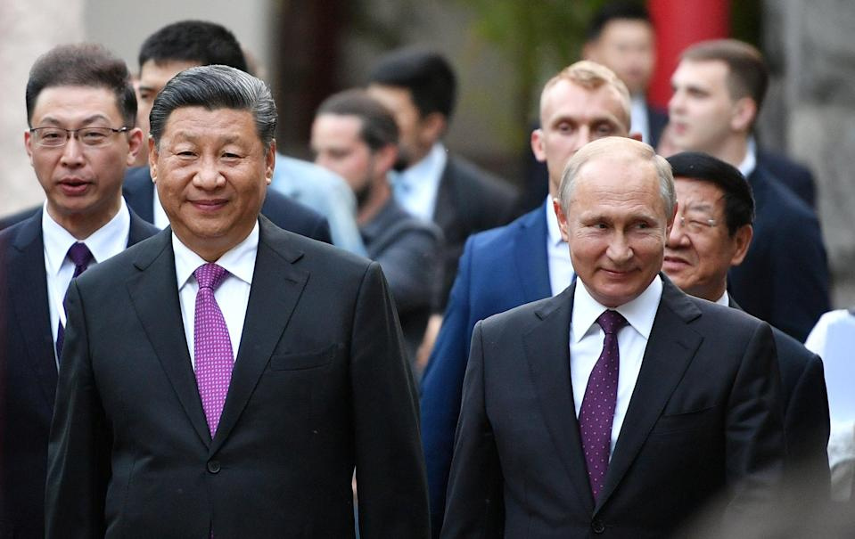 File: China's Xi Jinping and Russia' Vladimir Putin on a visit to Moscow Zoo in June 2019  (REUTERS)
